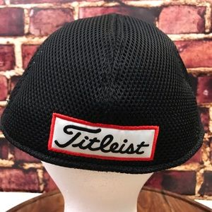 Titleist Accessories - Titlest Pro V1 baseball cap hat Large/Xl black